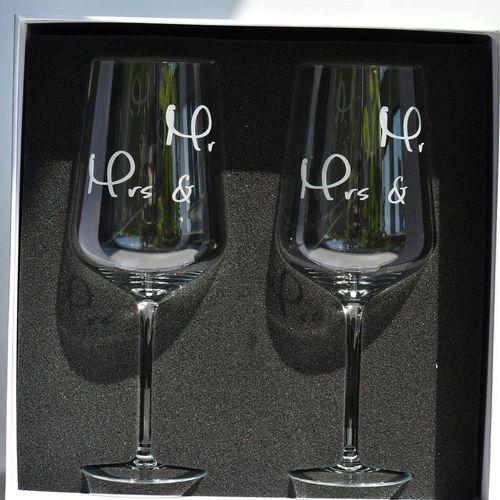 Blue Chilli Design Rotweinglas »Mr. & Mrs. - Hochzeitsgeschenk in Geschenkbox«, Kristallglas, Handgefertigt, mit Gravur, Kristallglas