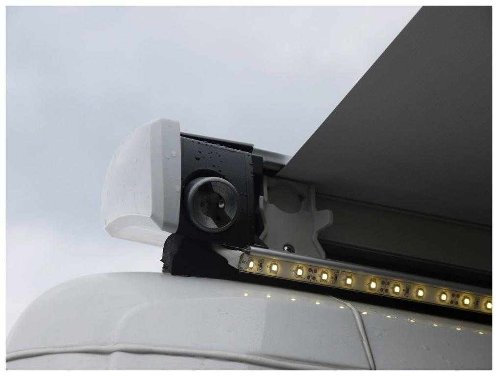 Thule Omnistor LED-Strip Fixierung